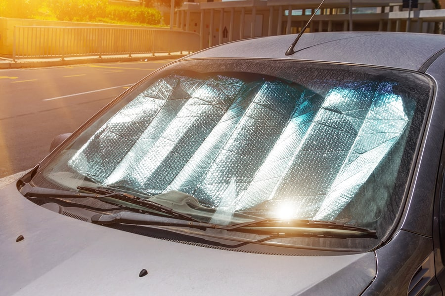 sunshade to prevent car's interior overheating